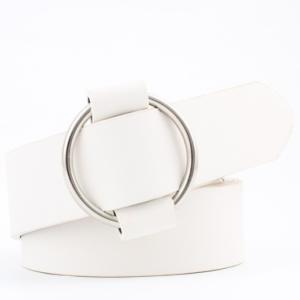 Женский кожаный ремень белого цвета с регулируемой пряжкой