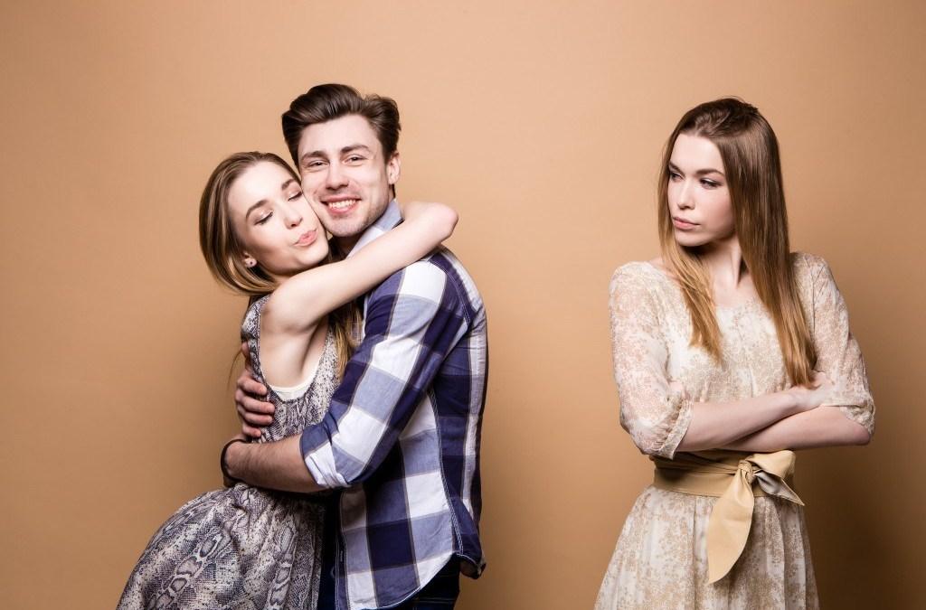 Ревность женская. Почему она возникает и как от нее избавиться