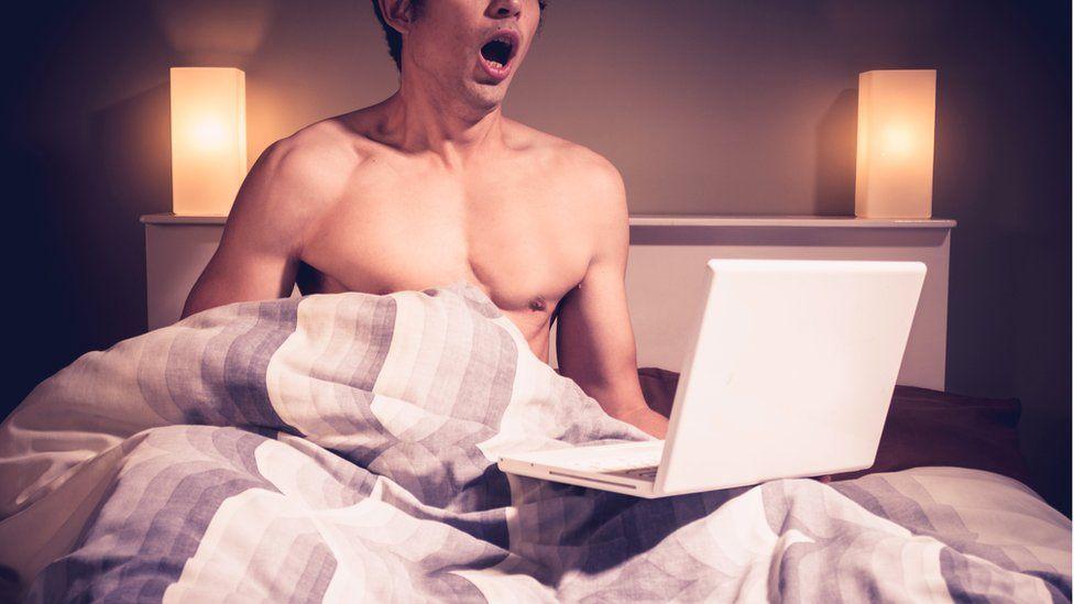 Почему мужчины смотрят взрослые фильмы