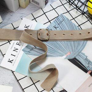 Узкий тканевый ремень бежевого цвета для платья