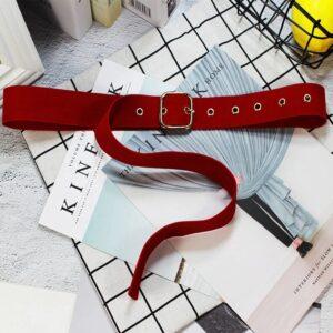Узкий тканевый ремень красного цвета для платья