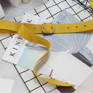 Узкий тканевый ремень желтого цвета для платья