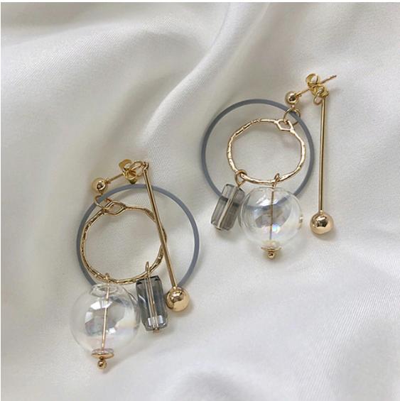 Серьги-круглые с белыми стеклянным шаром